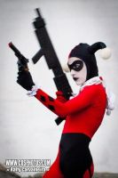 Harley Quinn Cosplay by pamzynha
