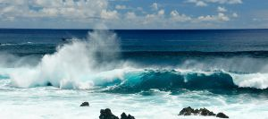Transluscent wave - Rapa Nui by wildplaces