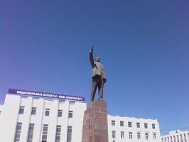 Lenin monument in Yakutsk by Teammate92