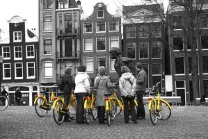 Tourists in Amsterdam by elolitta