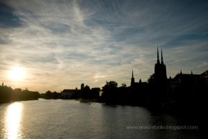 Odra river in Wroclaw by Ylvanqa
