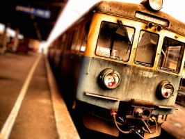 Train. in color by Parawan