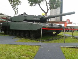 Leopard 2A4/2SG front by SoFDMC