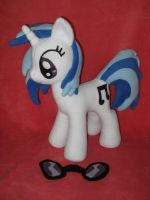 Vinyl Scratch DJ PON3 purple eyes by calusariAC
