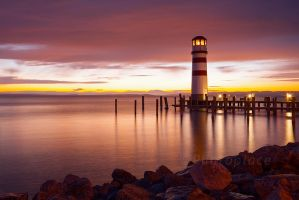 faro @ night by photoplace