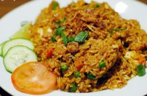 simple fried rice ^^ by Udhiezt