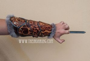 AC revelations leather bracer by Arenaldiel