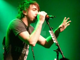 AlexGaskarth-All Time Low live by Courtneyy-Jane