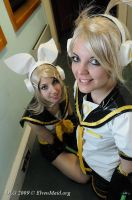 Rin and Len Kagamine - Let's sing by Bunnymoon-Cosplay