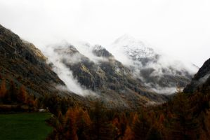 Autumnal mountain by SinAel76