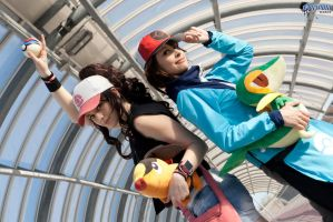 Touya and Touko . Pokemon Black and White cosplay by Rael-chan89