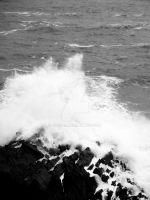 Wave Crash BW 3 by jac0ba