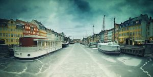 Frozen river by ornie