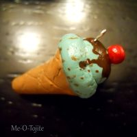 Ice Cream Charm by Me-O-Tojite