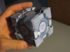 Weighted companion cube by Gyromorgian