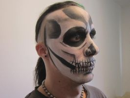 Skeleton facepaint by TsunamiTheWave