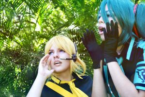 Love is war Miku and len by Dropchocolate