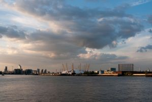 G92 1425 Thames View by Partists