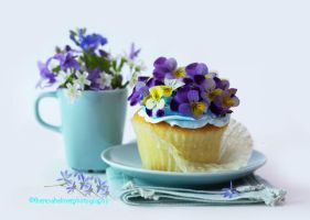 Viola Flower Cupcake by theresahelmer
