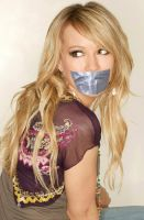 Hilary Duff taped by ikell