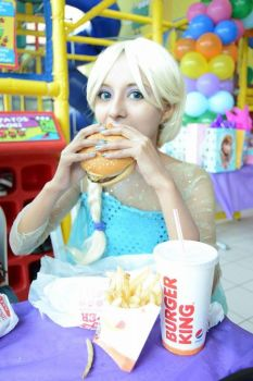 Elsa at Burger King by VeliaRickman