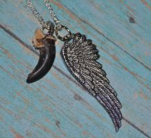 Winged Wolf Totem - Real Wolf Claw Necklace by MorRokko