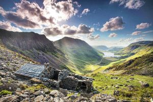 Warnscale Head bothy by PaulBullenLandscapes