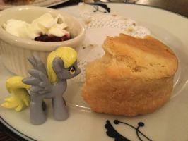 Derpy and the Giant Scone by KarRedRoses