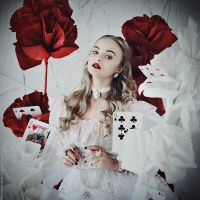 Alice in Wonderland: The White Queen by MariannaInsomnia