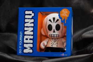 Munny Calavera by ghostwhowalks
