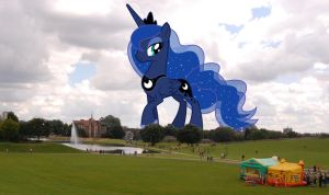 Princess Luna's stroll in the park by OtterP