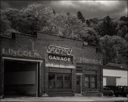 Ford Garage by aponom