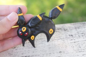 Umbreon Magnet by BeeZee-Art