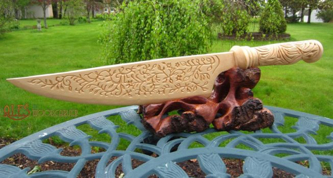 Vorpal Blade, Alice Madness Returns - wood carving by alesthewoodcarver