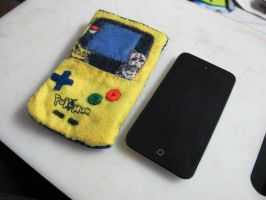 Gameboy Poke Pouch by KumoDumo