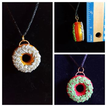 Reversable Christmas Wreath Polymer Clay Pendant by Zen-In-Motion