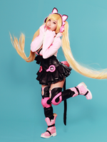 Lucky Chloe from Tekken 7 Cosplay by RinnieRiot