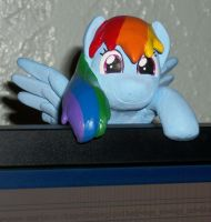 Rainbow Dash Peek-A-Boo monitor buddy sculpture by MadPonyScientist