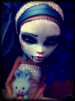 Dita - The Puppeteer's Daughter by limbiclullaby