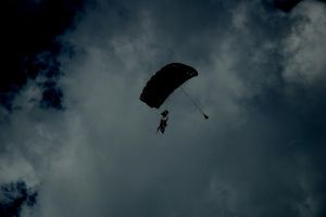 Skydive. by Blue-And-Yell0w