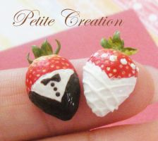 bride+groom strawberries pins1 by PetiteCreation