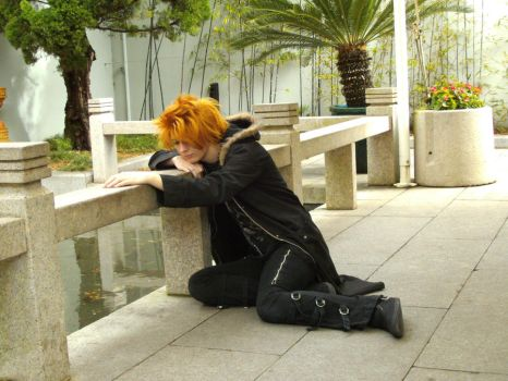 Roxas deep in thought by KyoEdwards