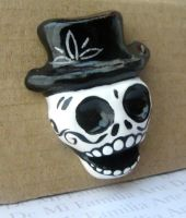 TOP HAT SKULL by ArteDeMiFamilia