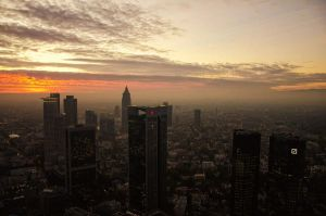 Sunset in Frankfurt by rayxearl