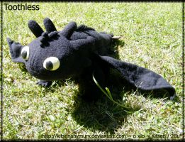 Toothless Plush by KitsenAnyMury