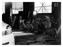 Garage scene painted by light by RobVinc