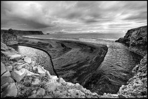 dyrholaey bay by Dave-Derbis