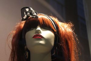 Puppet Head at shop window by lumiere81