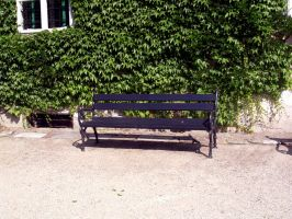 bench by dest-stock