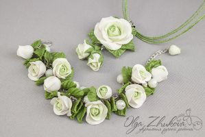 Jewelry set with white roses from polymer clay by polyflowers